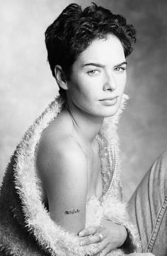 Lena Headey, 1995 Photography by Sasha Gusov Lena Headey, English Actresses, British Actresses, Game Of Thrones, Evangeline Lilly, People Of Interest, Girl Short Hair, Perfect Woman, Actress Photos