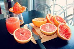 Grapefruit juice in the making