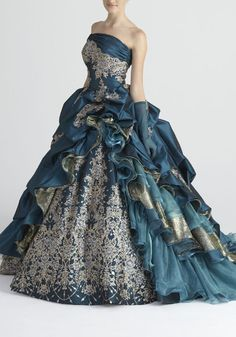 ohh I was born in the wrong era I love gowns.the gown, not the hair. Ball Dresses, Ball Gowns, Prom Dresses, Beautiful Gowns, Beautiful Outfits, Pretty Outfits, Pretty Dresses, Fairytale Dress, Fantasy Dress