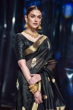 Aditi Rao Hydari's Black Saree Style is Beyond Stunning! Aditi Rao Hydari's Black Saree Style is Beyond Stunning! in 2020 Black Blouse Designs, Blouse Neck Designs, Trendy Sarees, Stylish Sarees, Kota Silk Saree, Silk Sarees, Ikkat Saree, Dress Indian Style, Indian Outfits