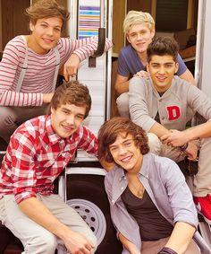 iGo One Direction was the best episode of iCarly! :D One Direction Fotos, One Direction Images, One Direction Wallpaper, I Love One Direction, British Boys, Favim, Liam Payne, Handsome Boys