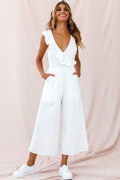 Order the Cheryl Ruffle Strap Wide Leg Jumpsuit White only at Selfie Leslie! Jumpsuit Outfit, Casual Jumpsuit, White Jumpsuit, Elegante Jumpsuits, Jumpsuits For Women Formal, Cotton Jumpsuit, Looks Plus Size, Casual Outfits, Fashion Outfits