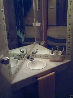 Shower Remodel No Door Bathroom Ideas and Corner Shower Remodeling Before And After. Kitchen Vanity, Corner Bathroom Vanity, Bathroom Sink Design, Small Bathroom, Kitchen Cabinets, Bathroom Ideas, Ideas Baños, Vanity Decor, Vanity Ideas