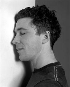 Aidan Gillen and his beautiful neck
