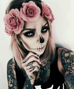 Women's Halloween Makeup.burnerlifesty… The post Women's Halloween Makeup.burnerlif… appeared first on Best Pins for Yours. Cosplay Makeup, Costume Makeup, Halloween Cosplay, Halloween Party, Group Halloween, Easy Halloween, Fantasy Make Up, Fantasias Halloween, Sugar Skull Makeup
