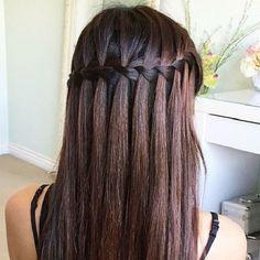 La tresse en cascade in 2020 Braided Prom Hair, Prom Hairstyles For Long Hair, Wedding Hairstyles For Long Hair, Diy Hairstyles, Engagement Hairstyles, Hairdo Wedding, Long Haircuts, Everyday Hairstyles, Formal Hairstyles