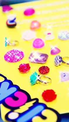 Mix and match sparkly charms today with this Clicks Charms starter set!