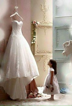 This would be such a cool picture to Photoshop in a picture of the bride as a little girl..