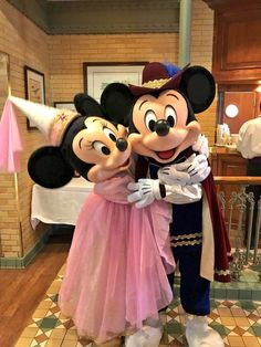 Prince Mickey & Princess Minnie Mouse