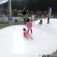 Mountain / air trampoline at Big Bang playground Tokinosumika undergone some changes and is no longer free for everyone, but they have added lots of attractions including bouncing castles and other eq…