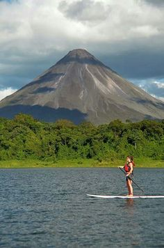 Stand up surf in Lake Arenal Costa Rica - VMA.