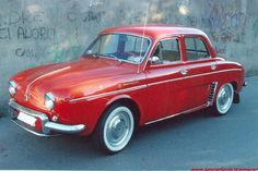 Renault Dauphine - the first car my dad had Velo Vintage, Vintage Cars, Antique Cars, Fiat 600, Veteran Car, Alfa Romeo Cars, Import Cars, Car Advertising, Peugeot