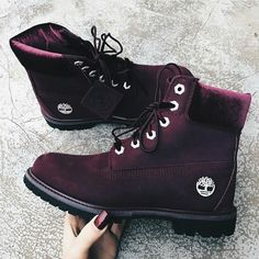 Timberland Boots - Timberland Boots - How to rock the maroon boots Timberland Boots Outfit, Timberlands Shoes, Timberland Heels, Timberland Fashion, Timberlands Women, Sneakers Fashion, Fashion Shoes, Swag Fashion, Dope Fashion
