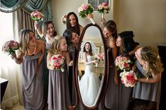 great idea for bridal party photo