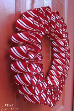 Awesome Diy Christmas Home Decorations And Homemade Holiday Decor Ideas - Quick And Easy Decorating Ideas, Cool Ornaments, Home Decor Crafts And Fun Christmas Stuff Crafts And Diy Projects By Diy Joy Easy Ribbon Candy Wreath Wreath Crafts, Diy Wreath, Christmas Projects, Holiday Crafts, Wreath Ideas, Door Wreaths, Ribbon Wreaths, Christmas Ribbon Crafts, Christmas Ideas