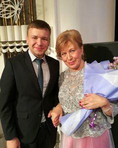 Дорогую и любимию Надежду Владимировну Смирнову ещё раз от всей души поздравляю с Юбилеем и прекрасным весёлым юбилейным вечером!  Вы гордость всей Костромской области! Благодаря таким людям как Вы, в Костроме живёт и развивается высокое искусство.