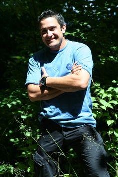 Wer bin ich?  Lars Konarek, freier Survival Guide.    Da ich schon alleine als Survival Guide bei meinen Survival Trainings beinahe 100 Tage im Jahr rund um die Uhr bei jedem Wetter draußen bin ist die Natur mittlerweile mein zweites Zuhause geworden.
