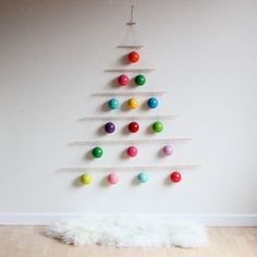 Small Space Solutions: 5 Last-Minute Creative Christmas Trees for Tiny Homes