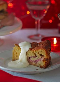 This light, moist rhubarb cake is gorgeously spiced. | Tesco