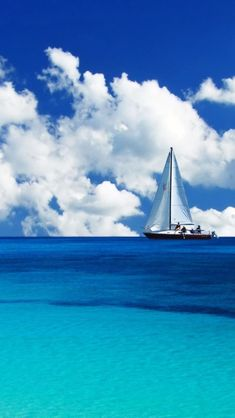 Luxury Italian crewed Charter Yacht Gulet boat rental – Vehicles is art Sea And Ocean, Ocean Beach, Ocean Waves, Sailing Holidays, Boat Painting, Boat Rental, Cruise Travel, Beautiful Beaches, Beautiful Landscapes