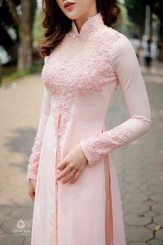 Cool it has elegance Desi Wedding Dresses, Indian Wedding Outfits, Party Wear Dresses, Indian Outfits, Pakistani Dress Design, Pakistani Dresses, Indian Dresses, Dress Neck Designs, Saree Blouse Designs