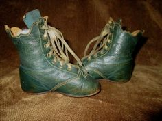 ANTIQUE BLUE LEATHER SCALLOPED LACE UP BABY BOOTS~SHOES