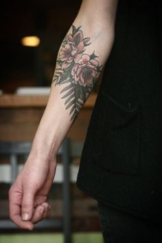 http://fyeahtattoos.com/post/140853478352/floral-tattoo-by-alice-carrier-at-wonderland