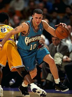 9cbaf987c65c4 Mike Bibby   PG for the Vancouver Grizzlies from