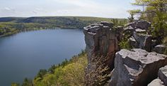Detailed descriptions and photographs of the hiking trails at Devil's Lake State Park in Baraboo, Wisconsin.