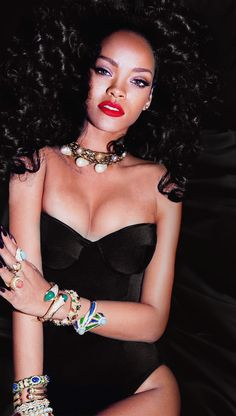 Robyn Rihanna Fenty was born in a parish in Barbados called St. Mode Rihanna, Rihanna Love, Rihanna Riri, Rihanna Style, Beyonce, Rihanna 2014, My Girl, Cool Girl, Rihanna Outfits