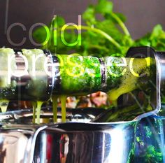 Why cold-pressed? Почему соки холодного отжима, а не обычный привычный фрэш? Смотрите видео в нашем блоге http://www.grannyqueen.com/blog/2015/3/5/why-cold-pressed