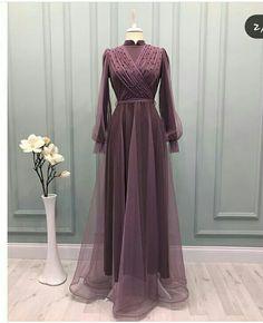 Hijab Evening Dress, Hijab Dress Party, Evening Dresses, Muslim Fashion, Modest Fashion, Hijab Fashion, Fashion Dresses, Beautiful Prom Dresses, Simple Dresses