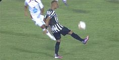 Neymar showing skill on the field Soccer Gifs, Soccer Memes, Soccer Quotes, Play Soccer, World Football, Football Soccer, Football Tricks, Psg, England Players