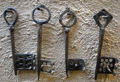 Medieval keys from Novgorod