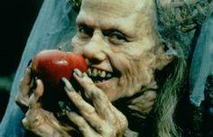 "| Sigourney Weaver în ""Snow White - a tale of terror"""