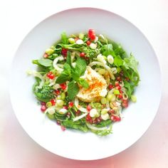Fennel week, recipe 2: pomegranate, raw broccoli, raw fennel, rocket (arugula), mint, sesame seeds, hot hummus cream (extra Virgin olive oil...