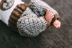 """Hi everyone! It's been a while since I made a baby set. I'm sharing the """"recipe"""" (not quite a full pattern) here for you. The set was used in a baby photo shoot and I am …"""