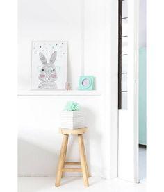 sparkling-paper-poster-mr-rabbit