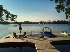 I would love to live on a lake someday! I would love to live on a lake someday! Lakeside Living, Lakeside Cottage, Lake Cottage, Lake Dock, Boat Dock, Lac Louise, Bon Point, Floating Dock, Lake Cabins