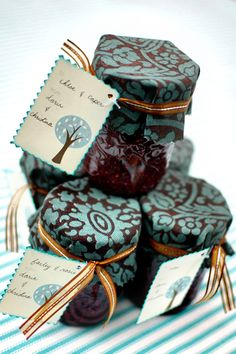 Jelly favors
