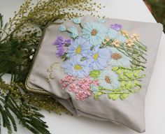 Embroidery bag handbag Daisy embroidered evening bag by OlgaHengst