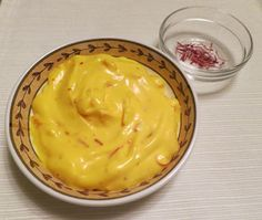 Aioli is a delicious garlic-based sauce that livens up many dishes. This quick, easy recipe uses saffron and cooks up quickly in a microwave. - Saffron Aioli Sauce Recipe - Low Carb at BellaOnline Buddy Valastro, Cake Boss, Kitchen Boss, Kenwood Cooking, Aioli Sauce, Cuisine Diverse, Cooking Sauces, Low Carb Sauces, Food Obsession