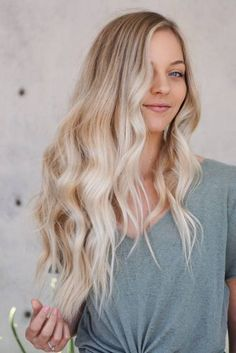 Shaggy Blonde Waves - 40 Picture-Perfect Hairstyles for Long Thin Hair - The Trending Hairstyle Blonde Layered Hair, Blonde Curly Hair, Brown Blonde Hair, Warm Blonde, Blonde Layers, Haircuts For Long Hair With Layers, Long Layered Haircuts, Long Thin Hair, Long Hair Cuts
