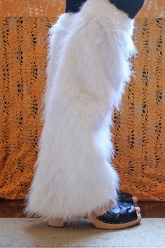One pair of furry, fingerless mitts does not a costume make. And so, I introduce to you furry leg warmers sewn from not-knit fabric. Cheshire Cat Halloween, Cosplay Costumes, Halloween Costumes, Fingerless Mitts, Faux Fur, Costume Ideas, Holidays, Fun