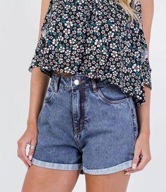 Short feminino    Efeito marmorizado    Barra dobrada    Marca: Blue Steel    Tecido: jeans    Composição: 100% algodão    Modelo veste tamanho: 36             COLEÇÃO VERÃO 2016             Veja outras opções de    shorts femininos.