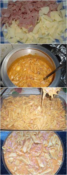 Na panela de pressão, em fogo médio, coloque a manteiga e frite a cebola, o presunto e o caldo de carne por 3 minutos. Adicione o molho, a água, o tomate, o macarrão e tampe