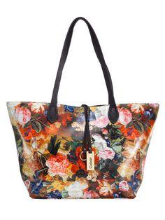 Lust auf einen gemütlichen Stadtbummel? In dieser geräumigen Shopper mit farbenfrohem Blumendruck finden nicht nur all Ihre Utensilien Platz, sondern Sie ziehen garantiert auch alle Blicke auf sich: http://www.klingel.de/tasche-gabor-730216/ #Tasche #Mode