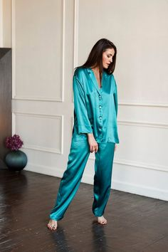 Night Wear Lingerie, Satin Pajamas, Silk Pants, Mulberry Silk, Pajamas Women, Cute Fashion, Women's Fashion, Satin Dresses, Pajama Set