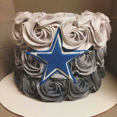 Idea for grooms cake Dallas Cowboys Birthday Cake, Dallas Cake, Dallas Cowboys Wedding, Dallas Cowboys Decor, Cowboy Birthday Party, Cowboy Party, Dallas Cowboys Baby Shower Ideas, Football Cakes, Cowboy Cakes