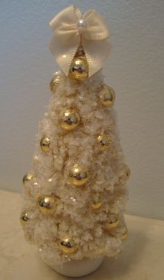Ivory Bottle Brush Tree with Gold Pearls